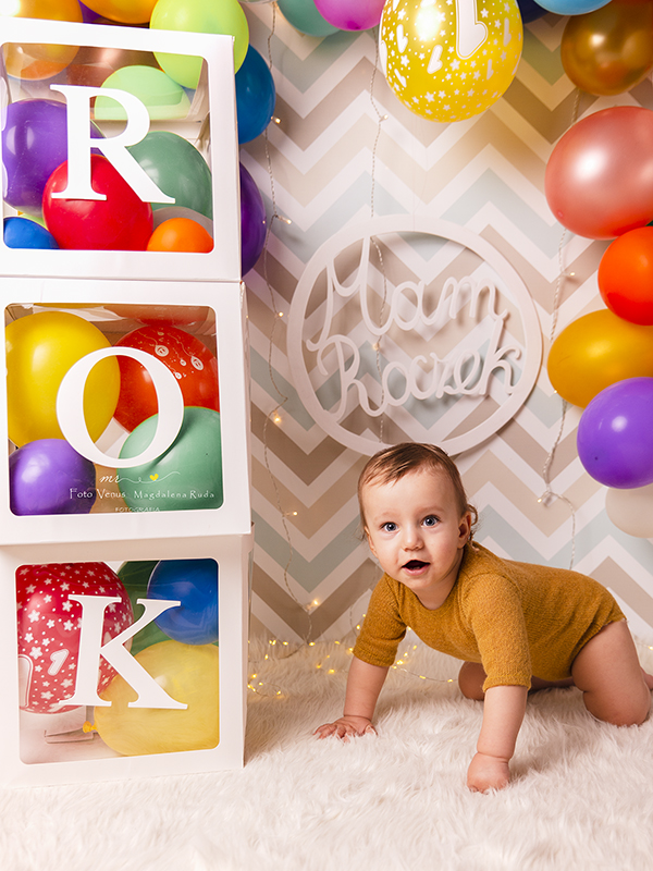 roczek sesja urodzinowa fotograf ruda slaska dziecko urodzinki sesja na roczek voucher